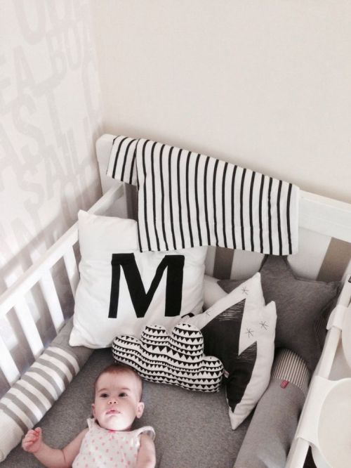 monochrome-kids-room-black and white