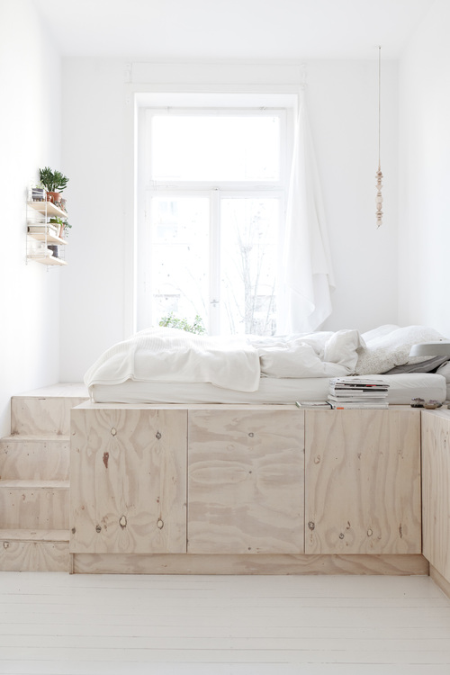 Plywood-interior-bed