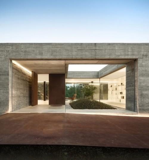 Sambade-House-14-850x912